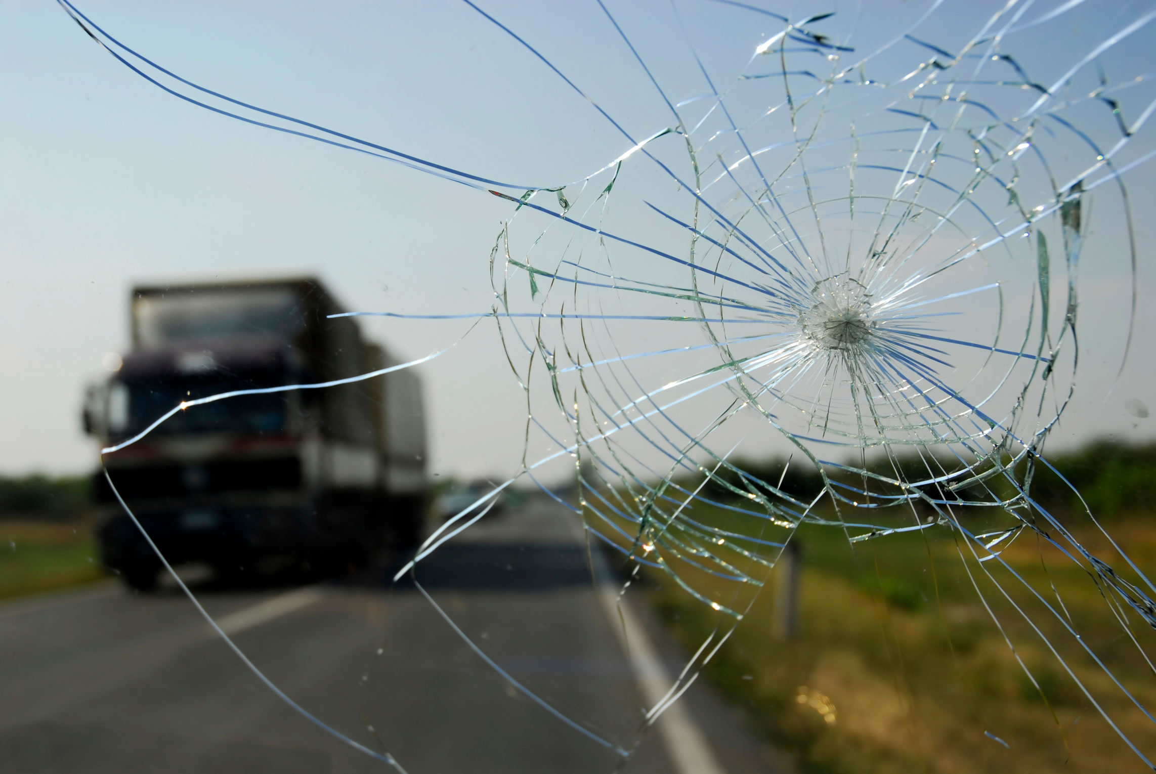 Does Commercial Auto Insurance Cover Windshield Damage?